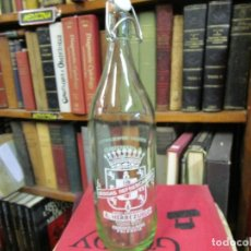 Botellas antiguas: BOTELLA GASEOSA LITRO ' HERREZUELO `DE PAREDES DE NAVA PALENCIA - TAPON CERAMICO SIN MARCA. LIMPIA. . Lote 139561862