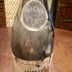 Botellas antiguas: ANTIGUA BOTELLA AGUA MINERAL VICHY. HOPITAL. EAU MINERALE NATURELLE. 10 JUIN 1853. ETIQUETA PAPEL. Lote 139680894