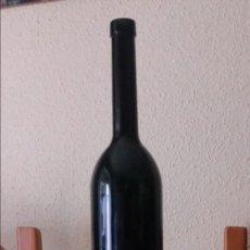 Botellas antiguas: GRAN BOTELLA VINO LITRO Y MEDIO VACÍA. Lote 141680361