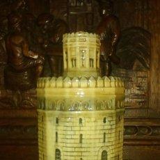 Botellas antiguas: ANTIGUA BOTELLA ANIS TORRE DEL ORO - CAZALLA. Lote 143745301