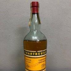 Botellas antiguas: LICOR CHARTREUSE PRECINTO AMARILLO TAPÓN DE CORCHO SIN ABRIR EN IMPECABLE ESTADO. Lote 142795762