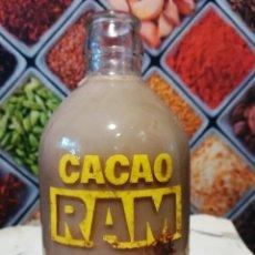Botellas antiguas: BOTELLA DE 250CC DE BATIDO DE CACAO RAM SERIGRAFIADA. Lote 143084350