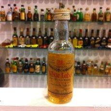 Botellas antiguas: BOTELLÍN. WHITE LABEL. WHISKY. CONTIENE LÍQUIDO. Lote 143274070