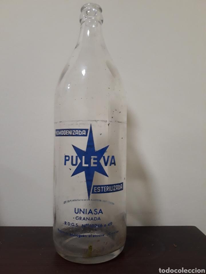 BOTELLA LECHE PULEVA 1LITRO (Coleccionismo - Botellas y Bebidas - Botellas Antiguas)