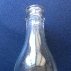 Botellas antiguas: ANTIGUA BOTELLA / BOTELLÍN LECHE Y BATIDOS NUTRIA GRANJA FUSTER VALENCIA AÑOS 60. Lote 145641738