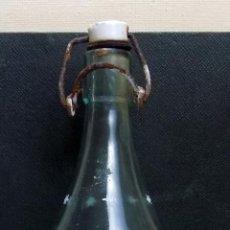 Botellas antiguas: BOTELLA GASEOSA LAS NIEVES CASTELLANAS, VILLARUBIA DE LOS OJOS, CIUDAD REAL, RARA. Lote 145733298
