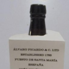 Botellas antiguas: BOTELLA. ALVARO PICARDO & C.LTD, PUERTO DE SANTA MARIA. COÑAC VIEJISIMO DE 1931. 0.75 CL. Lote 146350822