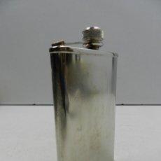 Botellas antiguas: ANTIGUA PETACA DE ALCOHOL DE BOLSILLO CROMADA PIEZA CLÁSICA DE LOS 50-60. Lote 156872796