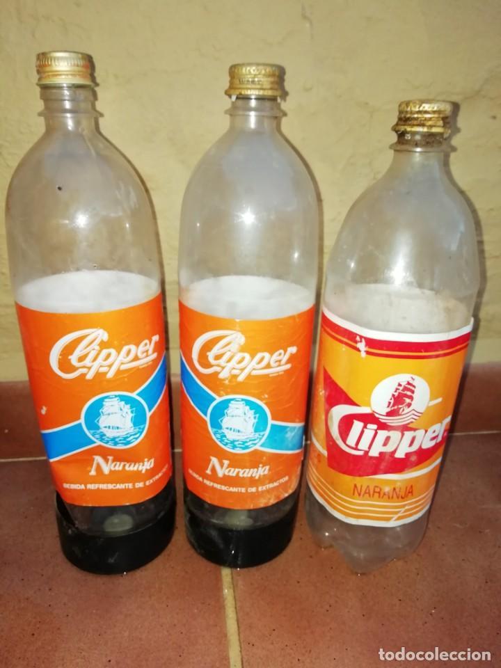 ANTIGUA BOTELLA PLASTICO REFRESCO GASEOSA CLIPPER GRAN CANARIA LAS PALMAS TAPON ROSCA METALICO (Coleccionismo - Botellas y Bebidas - Botellas Antiguas)