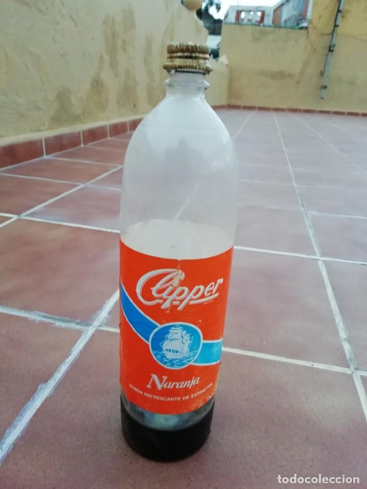 Botellas antiguas: Antigua botella plastico refresco gaseosa clipper gran canaria las palmas tapon rosca metalico - Foto 7 - 148076346