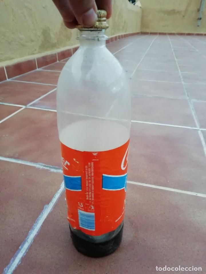 Botellas antiguas: Antigua botella plastico refresco gaseosa clipper gran canaria las palmas tapon rosca metalico - Foto 10 - 148076346