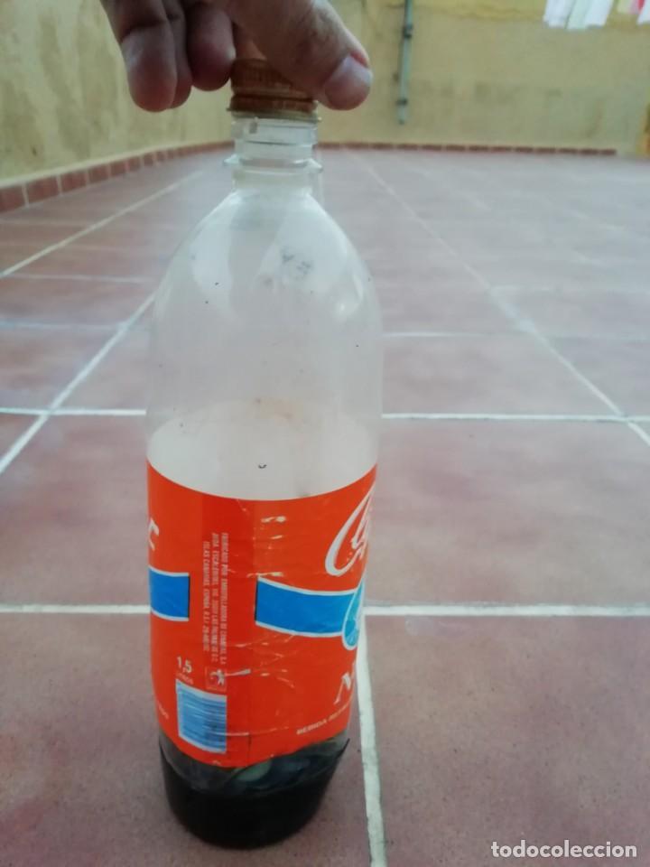 Botellas antiguas: Antigua botella plastico refresco gaseosa clipper gran canaria las palmas tapon rosca metalico - Foto 12 - 148076346