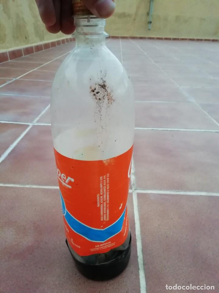 Botellas antiguas: Antigua botella plastico refresco gaseosa clipper gran canaria las palmas tapon rosca metalico - Foto 14 - 148076346