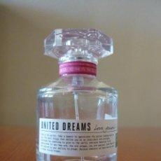 Botellas antiguas: BOTELLA VACÍA EAU DE TOILETTE UNITED DREAMS DE BENETTON - 100 ML.. Lote 152565538