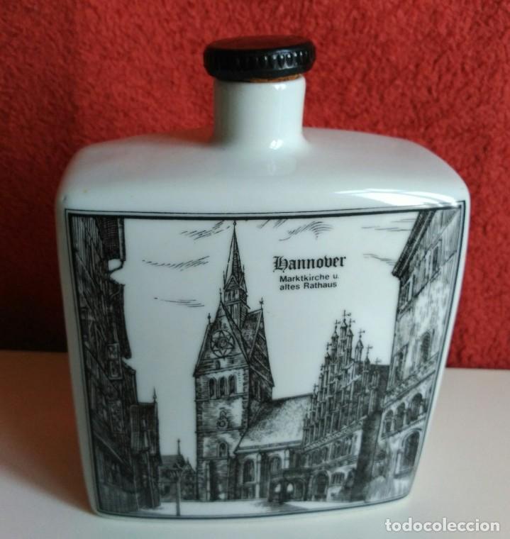 BOTELLA LICOR PORCELANA ALEMANA ALTENKUNSTADT (Coleccionismo - Botellas y Bebidas - Botellas Antiguas)