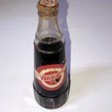 Botellas antiguas: BOTELLIN DE REFRESCO VANGUARD. LLENA. Lote 154132438