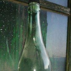 Botellas antiguas: BOTELLA VINO COMUN BODEGAS RICO 1 LITRO DE CRISTAL . Lote 154295774