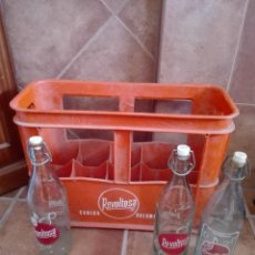 Botellas antiguas: CAJA DE GASEOSAS LA REVOLTOSA TRES DISEÑOS DIFERENTES. Lote 154756394