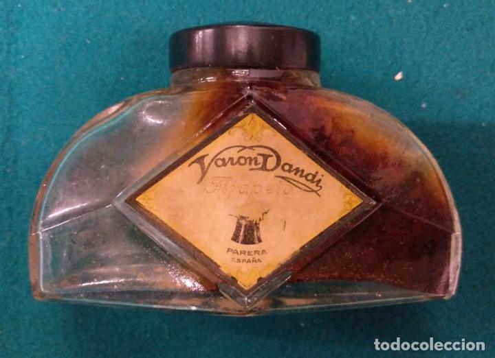 BOTELLA FRASCO FIJAPELO VARON DANDY AÑOS 30 EN LA BASE PARERA EN RELIEVE PERFUMERIA (Coleccionismo - Botellas y Bebidas - Botellas Antiguas)