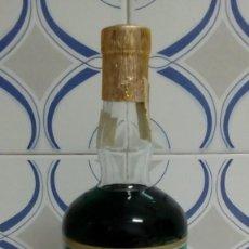 Botellas antiguas: PIPERMIN,DESTILERIAS PROS AÑOS 60-70. Lote 162283258