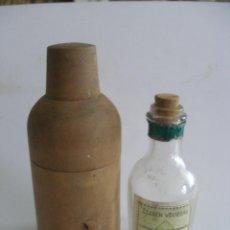 Botellas antiguas: ELIXIR VEGETAL CHARTREUX TARRAGONA CAJA MADERA PREPARADO POR LOS PADRES CARTUJOS. Lote 163585654
