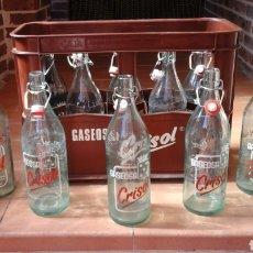 Botellas antiguas: CAJA DE GASEOSAS CRISOL. Lote 165724904