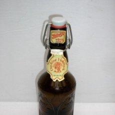 Botellas antiguas: BOTELLA DE CERVEZA HOFMARK.. Lote 166180873