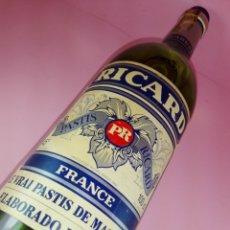 Botellas antiguas: BOTELLA-RICARD-PASTÍS-AÑOS 70-ENTERA-SIN ABRIR-VER FOTOS-COLECCIONISTAS.. Lote 166460482