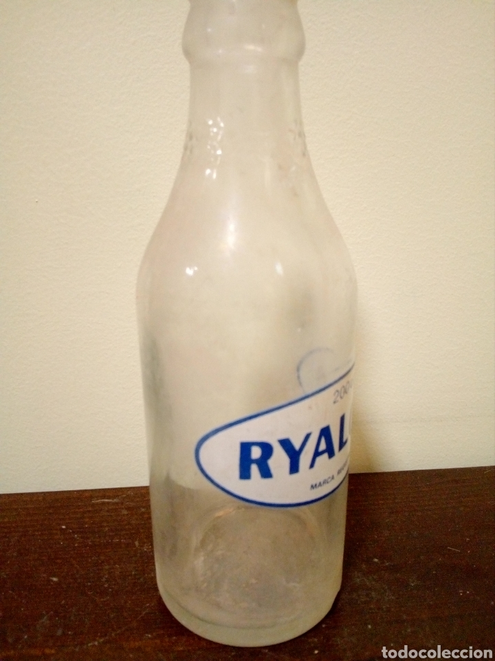 Botellas antiguas: Botella ryalcao 200cc - Foto 3 - 167481241