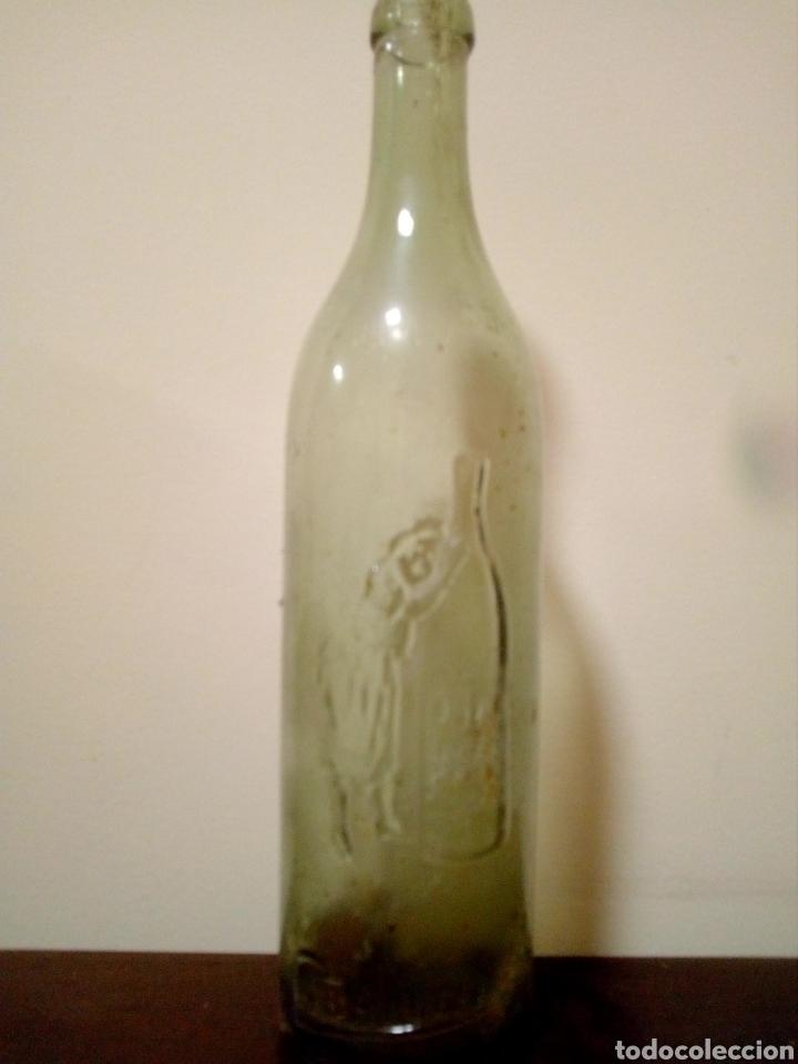 BOTELLA CABALLERO 186 RELIEVE (Coleccionismo - Botellas y Bebidas - Botellas Antiguas)