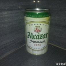 Botellas antiguas: ANTIGUA LATA EL ALCÁZAR DE JAEN CERVEZA ESPAÑA. Lote 171541272