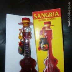 Botellas antiguas: SANGRÍA GUITARRA EUROBODEGAS. NUEVA EN CAJA. Lote 172644880