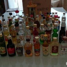 Botellas antiguas: COLECCIÓN LOTE 62 BOTELLITAS MINIATURA . Lote 172801454