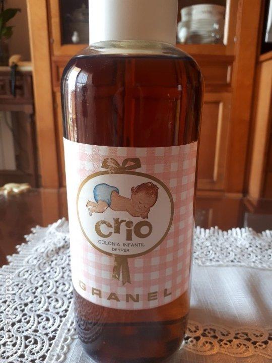ANTIGUA BOTELLA DE COLONIA INFANTIL CRIO, 1 LITRO (Coleccionismo - Botellas y Bebidas - Botellas Antiguas)