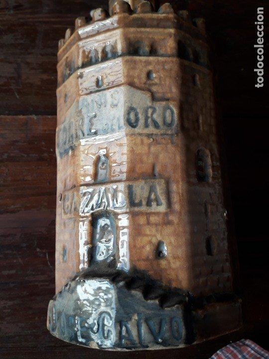 Botellas antiguas: BOTELLA de ANIS con forma de la TORRE DEL ORO DE SEVILLA. (CERÁMICA DE TRIANA) - Foto 4 - 175875232