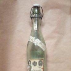 Botellas antiguas: FARMACIA ANTIGUA BOTELLA DE AGUA OXIGENADA FORET AÑOS 40 TAPÓN PORCELANA. Lote 177076634