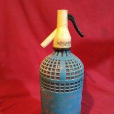 Botellas antiguas: SIFON CON REJILLA AZUL LA GOLONDRINA. Lote 177472522