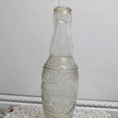Botellas antiguas: ANTIGUA BOTELLA JOSE JUNCA ESPECIALIDADES ESPUMOSAS CUYAS ,9 BARCELONA LETRAS EN RELIEVE. Lote 178731282