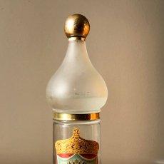 Botellas antiguas: BOTELLA: VODKA LUBOFF. DESTILERIAS G. L. ARGENTI (HOSPITALET, BARCELONA). 3/4 DE SU CONTENIDO.. Lote 178755185