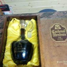 Botellas antiguas: BOTELLA BRANDY CARDENAL MENDOZA LUJO. Lote 179390776