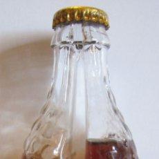 Botellas antiguas: BOTELLA DOBLE DEPÓSITO VIN AQUA AIGNER AUSTRIA. CON SU CONTENIDO. 19 X 7 X 6 CM. Lote 180190881