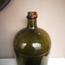 Botellas antiguas: ANTIGUA GARRAFA DE CRISTAL VERDE OSCRUO. BOTELLA CATALANA PRINCIPIOS SIGLO XX. Lote 181448376
