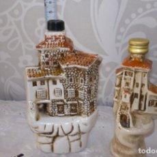 Botellas antiguas: LOTE 2 BOTELLAS LICOR-CASAS COLGANTES DE CUENCA. Lote 181531921