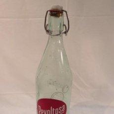 Botellas antiguas: ANTIGUA BOTELLA SERIGRAFIADA DE 1 LITRO DE GASEOSA LA REVOLTOSA AÑOS 60 / 70. Lote 186189513