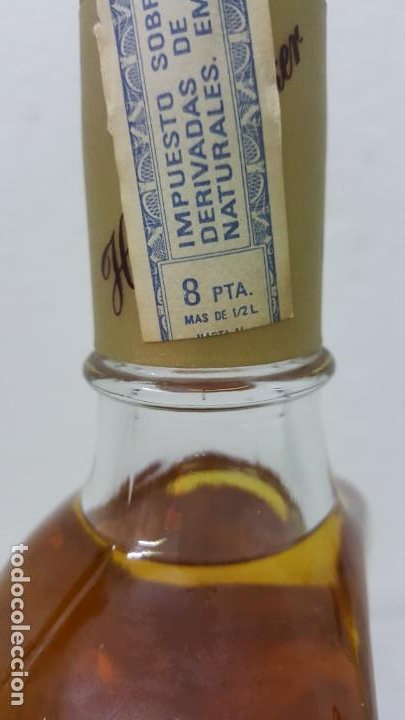Botellas antiguas: WISKY DOBLE V SELLO 8 PTAS - Foto 2 - 192603076