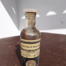 Botellas antiguas: FRASCO DE FARMACIA EXTRACTO FLUIDO DE GALEGA OFFICIALIS // CON CONTENIDO. Lote 194354375