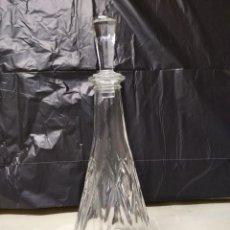 Botellas antiguas: BOTELLA FABRICADA EN CRISTAL DE ROCA.. Lote 194970978