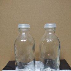 Botellas antiguas: DOS PEQUEÑAS BOTELLAS DE EMULIQUEN.. Lote 195247992