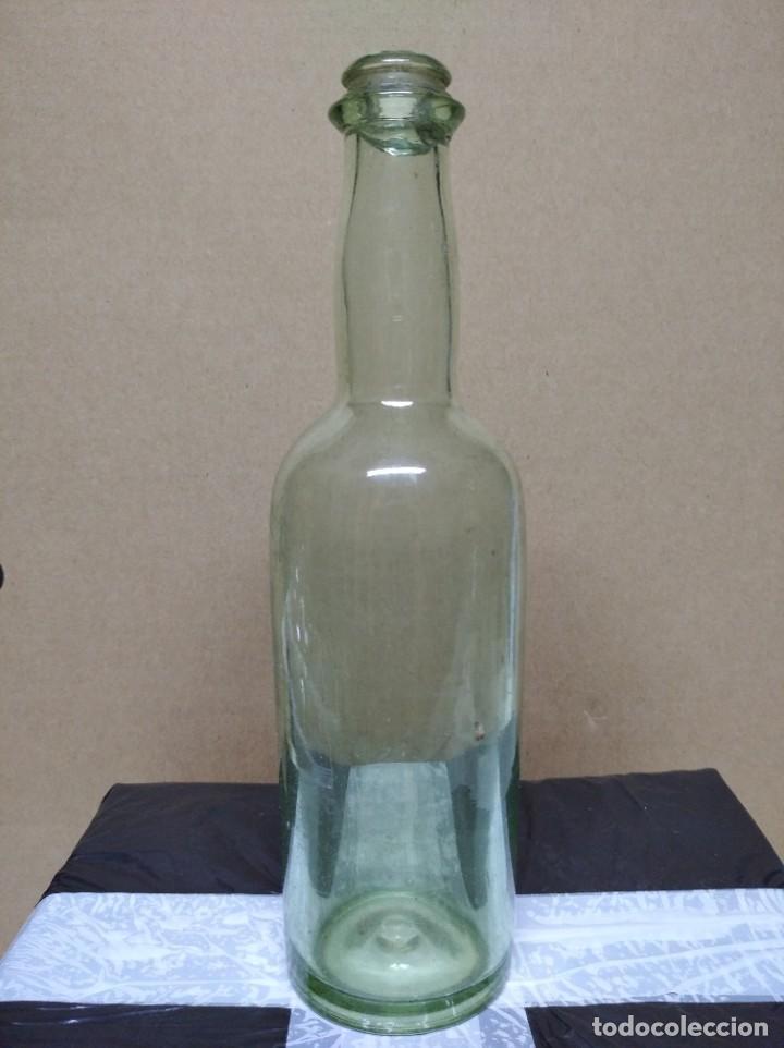 BOTELLA DE CRISTAL. (Coleccionismo - Botellas y Bebidas - Botellas Antiguas)