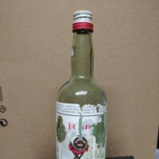 Botellas antiguas: DOS BOTELLAS DE PEDRO DOMEQC. JEREZ DE LA FRONTERA.. Lote 195248113